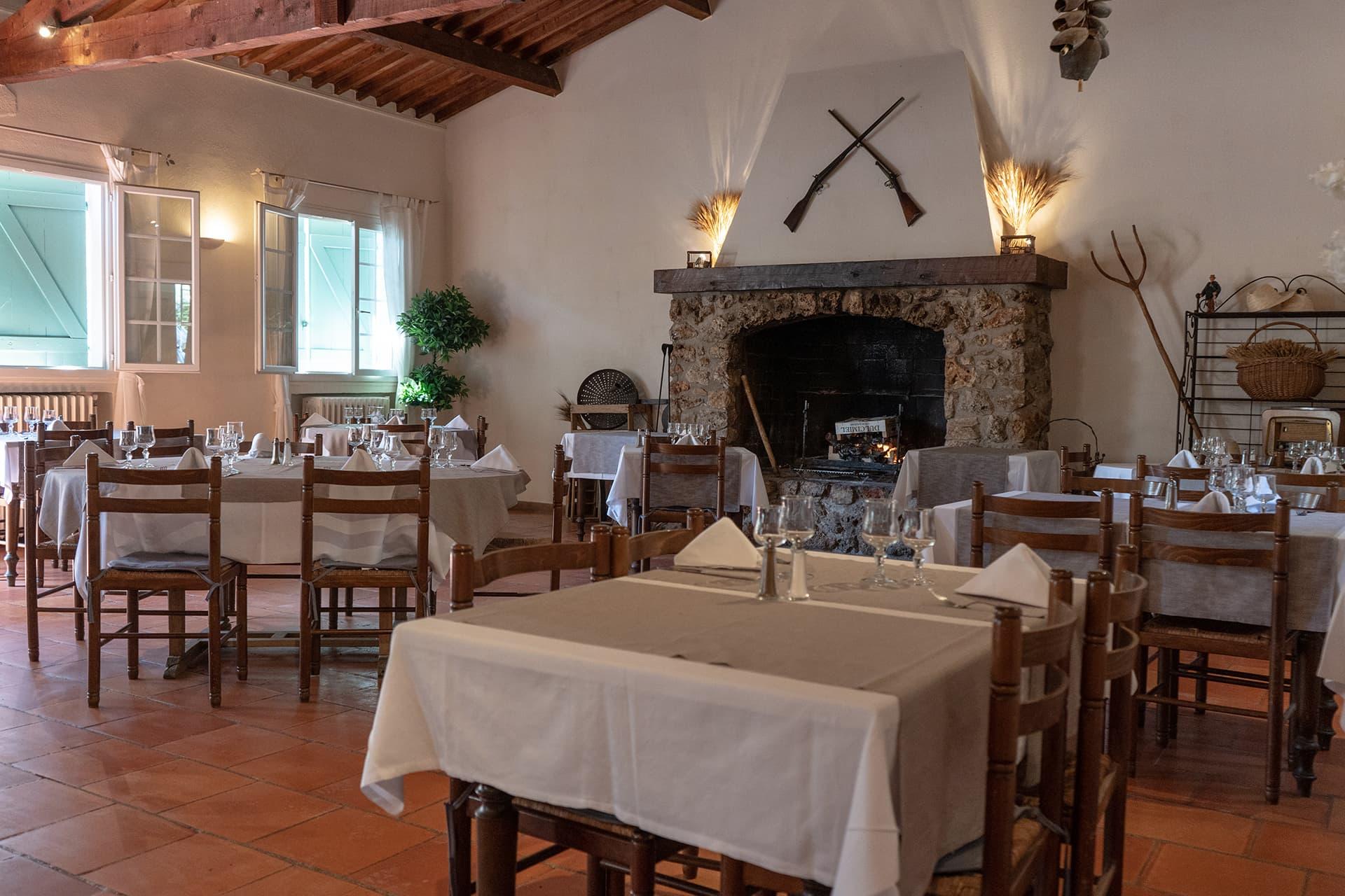 Restaurant Aix-en-Provence - Ancien relais de chasseur - L'Oustau de Saint-Marc